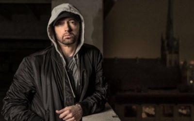Eminem divulga seu número de telefone para conversar com os fãs