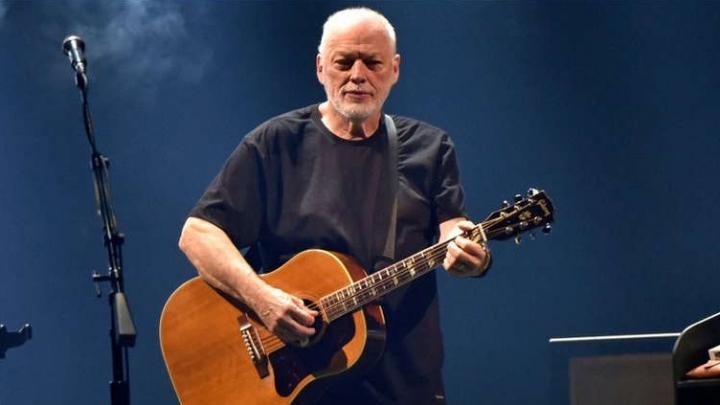 """David Gilmour lança sua primeira música em cinco anos. Ouça """"Yes, I Have Ghosts"""""""