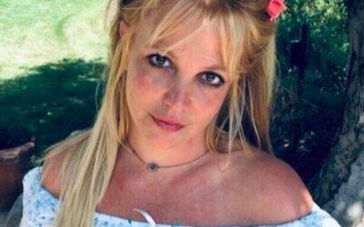 """Britney Spears critica documentários sobre sua vida: """"Hipócritas"""""""